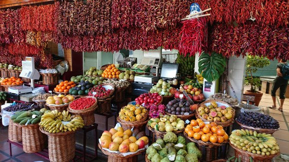 Fresh fruits and spices at the Madeira Framers Market