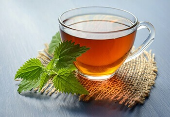Green tea contains antioxidants that help reduce inflammation in the lungs