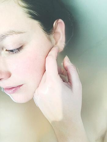 has skin beneficial nutrients to help keep skin soft and supple