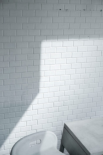 remove mould and dirt stains on tile grout