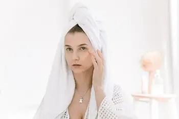 woman doing skincare