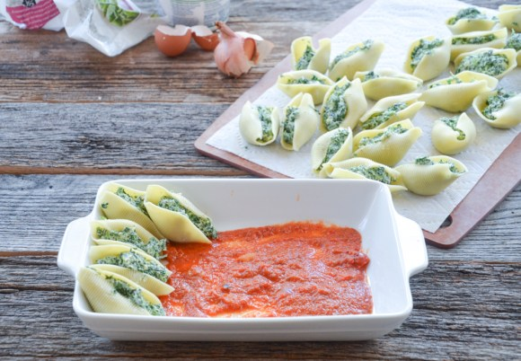 Spinach ricotta shells sauce (1 of 1)