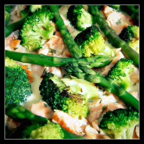 Quiche au saumon, au brocoli et aux asperges
