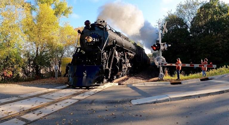Stem locomotive in Chanhassen 10-3-21