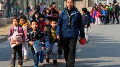 """""""Adeus, Pequim!"""": mensagem sincera de jovem cientista faz a China refletir"""
