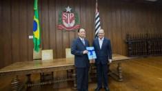 China e Brasil firmam acordo para construção do primeiro hospital chinês da América Latina