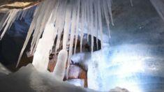 Caverna austríaca tem esculturas naturais de gelo magníficas