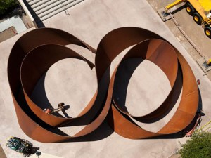"""Seqüência"" de Richard Serra (www.news.stanford.edu)"