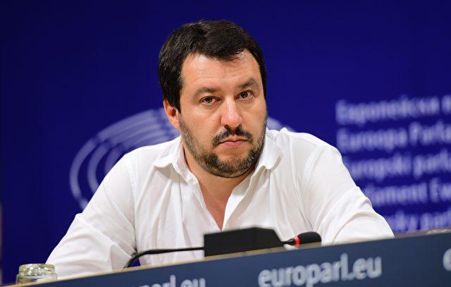 Matteo Salvini, EU-Abgeordneter und Leiter der Lega Nord ärgert sich über die Beitrittsverhandlungen der EU mit der Türkei: Wenn sie eintritt, GEHEN WIR RAUS! Foto: EMMANUEL DUNAND/AFP/Getty Images