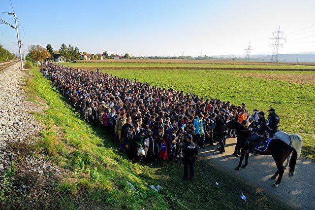 Flüchtlinge und Migranten in Kroatien Foto:  JURE MAKOVEC/AFP/Getty Images