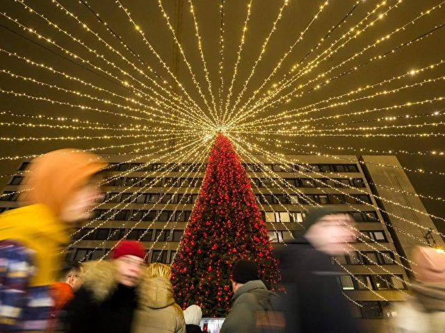 Weihnachtsmarkt. (Symbolbild) Foto: Balazs Mohai/dpa