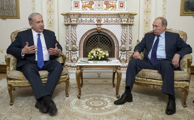Israels Premier Benjamin Netanjahu (l) und Russlands Präsident Wladimir Putin. Foto: IVAN SEKRETAREV/AFP/Getty Images