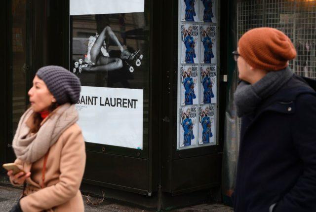 Die neue Werbekampagne des französischen Modehauses Saint Laurent sorgt für Empörung. Foto: ERIC FEFERBERG/AFP/Getty Images
