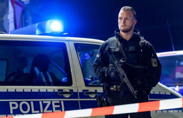 Polizeiabsperrung nach Axt-Attentat in Düsseldorf. Foto: Getty Images