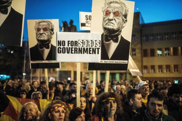 Mazedonien demonstriert gegen den Einfluss des Milliardärs George Soros im Land. Foto: ROBERT ATANASOVSKI/AFP/Getty Images