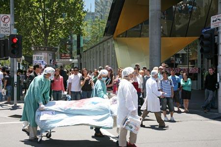 Демонстрация извлечения органов из живых людей в китайских концлагерях.Фото: Chen Ming/Epoch Times