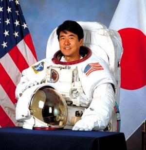 Японский астронавт узнает, вернется ли к нему бумеранг в космосе. Фото с сайта 3dnews.ru