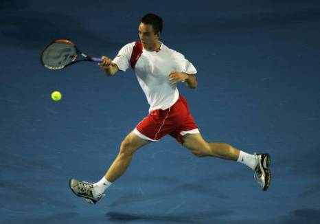 Виктор Троицки (Сербия) (Viktor Troicki of Serbia) во время открытого чемпионата Австралии по теннису. Фото: Mark Dadswell/Getty Images