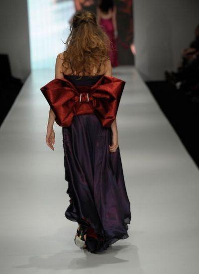 Коллекция одежды сезона весна-лето 2008/2009 от дизайнера Pizzuto. Фото: Gosatti/Getty Images