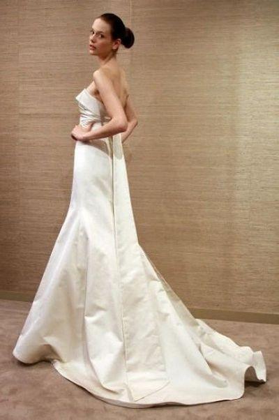 Свадебные платья от Monique Lhuillier. Фото: Will Ragozzino/Getty Images