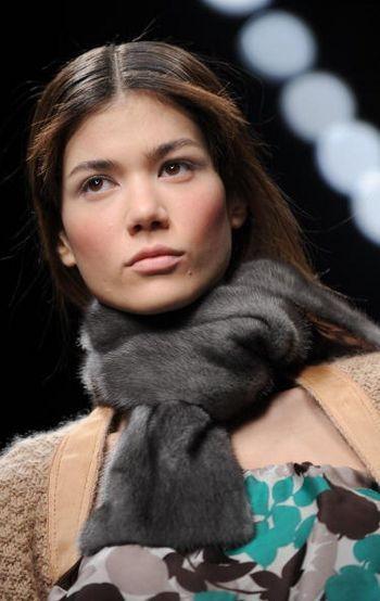 Новые коллекции женской одежды осень/зима 2008/2009 на неделе моды В Милане. Фото: AFP/Getty Images
