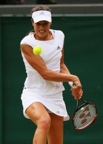 На Уимблдонском теннисном турнире в пятницу начался третий круг одиночных разрядов - определились первые участники 1/8 финала. Фото: Ian Walton/Getty Images