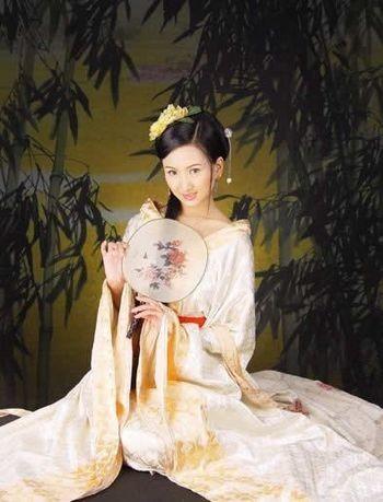 Женские костюмы Древнего Китая. Фото: secretchina.com