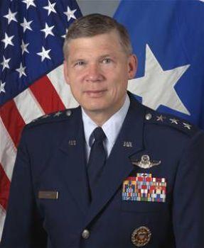 Генерал-лейтенант Роберт Элдер. Фото с сайта cybersecurity.ru