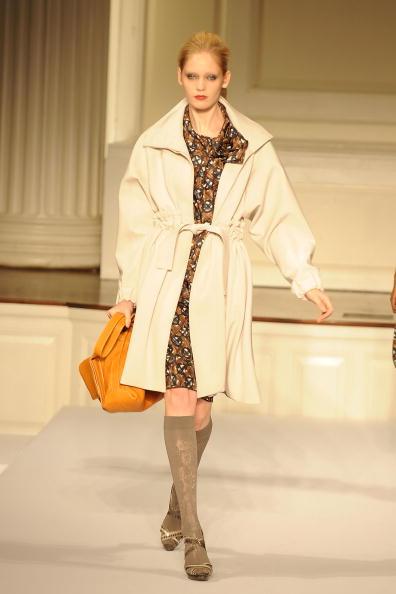Коллекция одежды Oscar De la Renta осень 2009. Фото: Slaven Vlasic /Getty Images