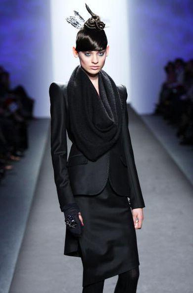 Коллекция одежды от Akiko Ogawa на неделе моды Mercedes-Benz Fashion Week в Нью-Йорке. Фото:Scott Gries/Getty Images