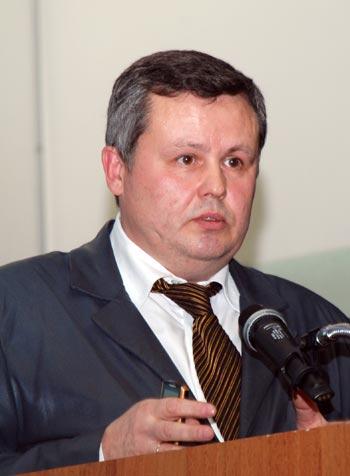 Заведующий кафедрой антикризисного и стратегического менеджмента РГТЭУ Марат Мусин: