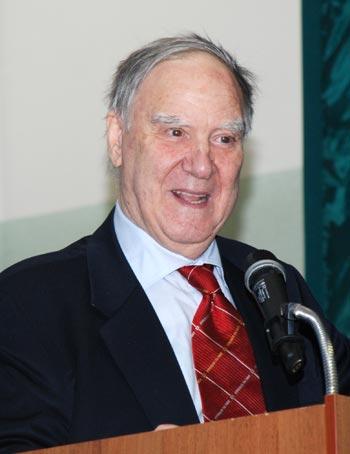Профессор, член Европейской академии наук Сергей Капица: