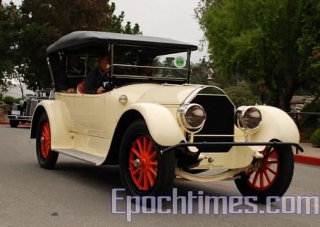 Выставка ретро-автомибилей Pebble Beach в Калифорнии. Фото: Gaoling/Великая Эпоха