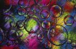 Некоторые исследователи предполагают, что наша вселенная подобна пузырю в море пузырей и иногда она может иметь связь с другими вселенными. В то же время, каждый человек также связан со своим двойником в параллельном мире. Фото: Photos.com