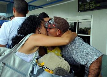 13 Апрель в международном эропорту Jose Marti город Гавана. Фото: Adalberto Roque. AFP/Getty Images