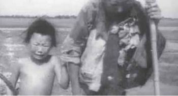Среди тех, кто пострадал от «Большого скачка» и последующего за ним голода, были и дети. Фото: NTDTV