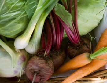 Здоровое питание. Выбирая продукты, по возможности не экономьте на их цене. Фото: Foodcollection/Getty Images