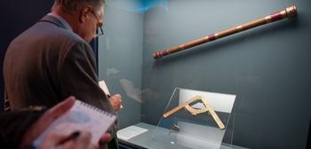 Великие открытия и изобретение, изменившие мир. Первый телескоп Галилея. Фото: VINCENZO PINTO/AFP/Getty Images