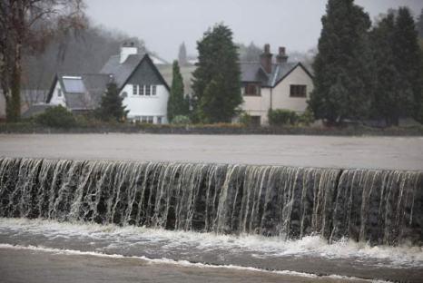 Великобритания: эвакуация из зон наводнения. Фото: Christopher Furlong/Getty Images
