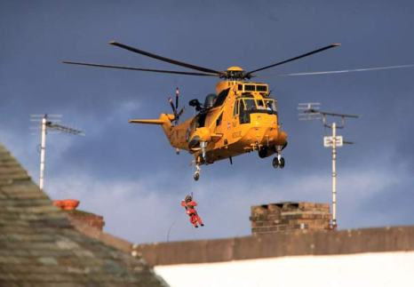 Великобритания: эвакуация из зон наводнения. Фото: Jeff J Mitchell/Getty Images