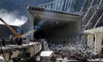 Чубайс берет на себя часть вины за аварию на Саяно - Шушенской АЭС. Фото: ALEXANDER NEMENOV/AFP/Getty Images