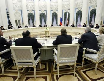 Встреча с советом Федерации в Кремле. Фото: MISHA JAPARIDZE/AFP/Getty Images