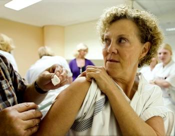 Эпидемия гриппа и ОРВИ продолжает нарастать в 10 регионах России .Фото: MARCO DE SWART/AFP/Getty Images