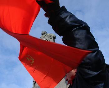 Памятник Ленину, убивший человека в Белоруссии, снесли.  Фото: ALEXEY GROMOV/AFP/Getty Images