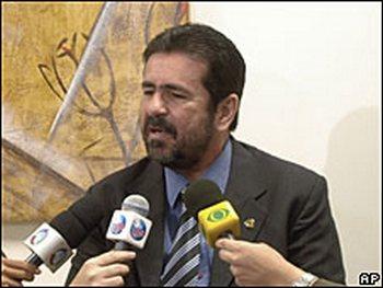 Телеведущий телевидения Бразилии Уоллес Соза . Фото: с сайта  bbc.co.uk