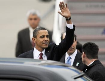 Япония стала первой остановкой Обамы в ходе начавшегося турне по странам Азии. Фото: YOSHIKAZU TSUNO/AFP/Getty Images