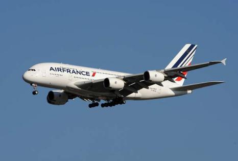 Самый большой в мире пассажирский лайнер Airbus A-380 французской авиакомпании Air France. Фото: STAN HONDA/AFP/Getty Images