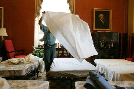 Как выбрать постельное белье: сатин, шелк, лен. Фото: Joe Raedle/Getty Images