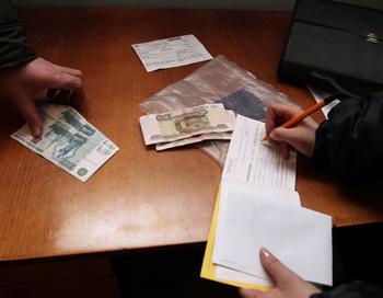 Рейд судебных приставов по выявлению должников в сфере ЖКХ. Фото РИА Новости