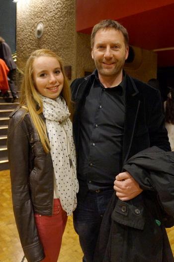 Грэм Дэвис и его дочь Чарли посетили первое выступление Shen Yun Performing Arts на Барбикан в Лондоне, вторник, 5 марта. Фото с сайта theepochtimes.com